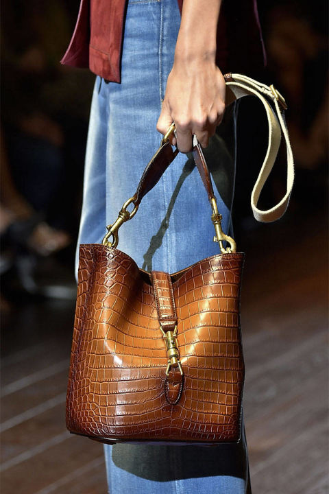 54bc2e1d87408_-_ends-2014-accessories-bucket-bags-03-gucci-clp-rs15-0934-lg