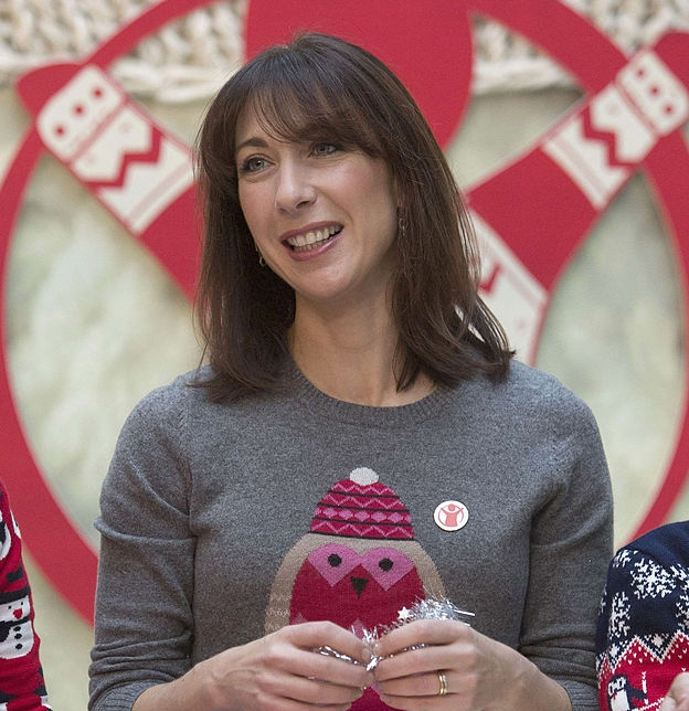 holiday-sweater-samantha-cameron