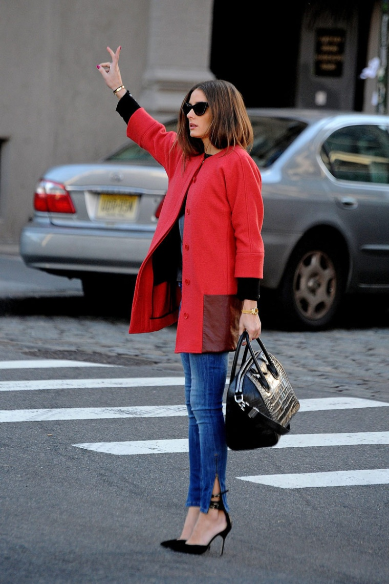 olivia-palermo-jeans-coat-pumps-stilettos