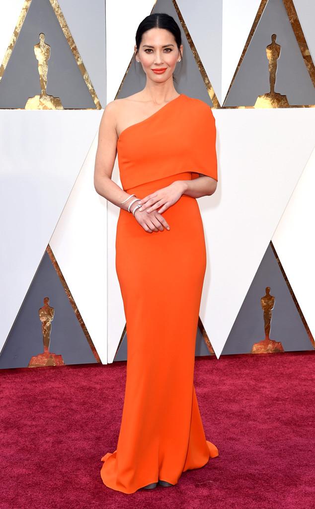 red-carpet-arrivals-Academy-Awards-Oscars-olivia-munn-2016-stella-mccartney