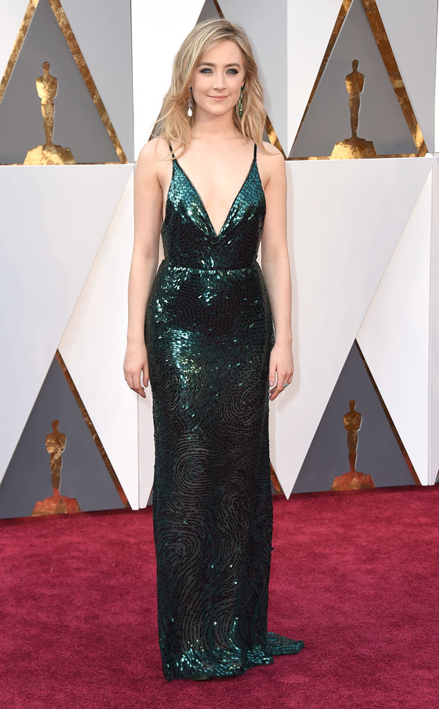 red-carpet-arrivals-Academy-Awards-Oscars-saorise-ronan-2016-calvin-klein
