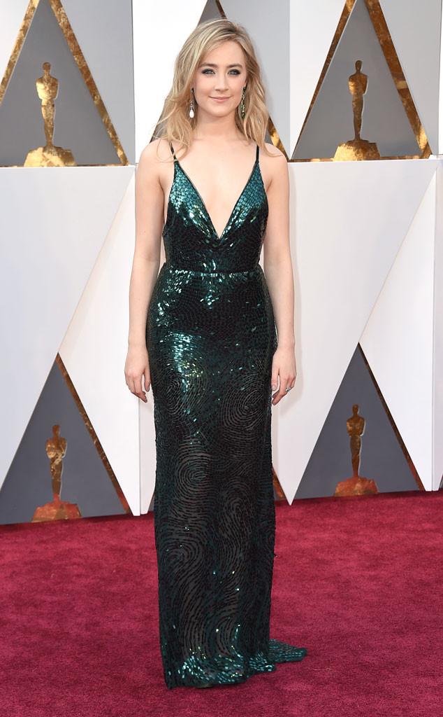 red-carpet-arrivals-Academy-Awards-Oscars-saorise-ronan-2016-calvin-klein