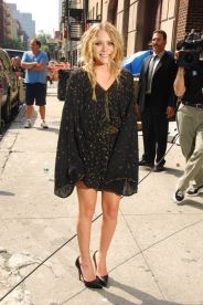 Mary Kate Olsen (Photo Credit: Pinterest)