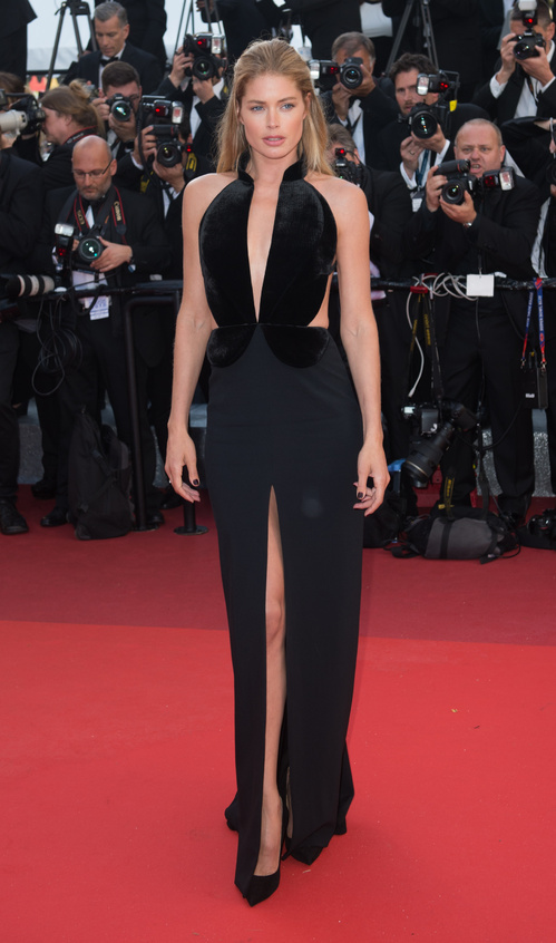 Doutzen-Kroes-Brandon-Maxwell-Red-Carpet-Festival-de-Cannes-2016-Best-Dressed-Tapis-Rouge-Montée-des-Marches-Vogue