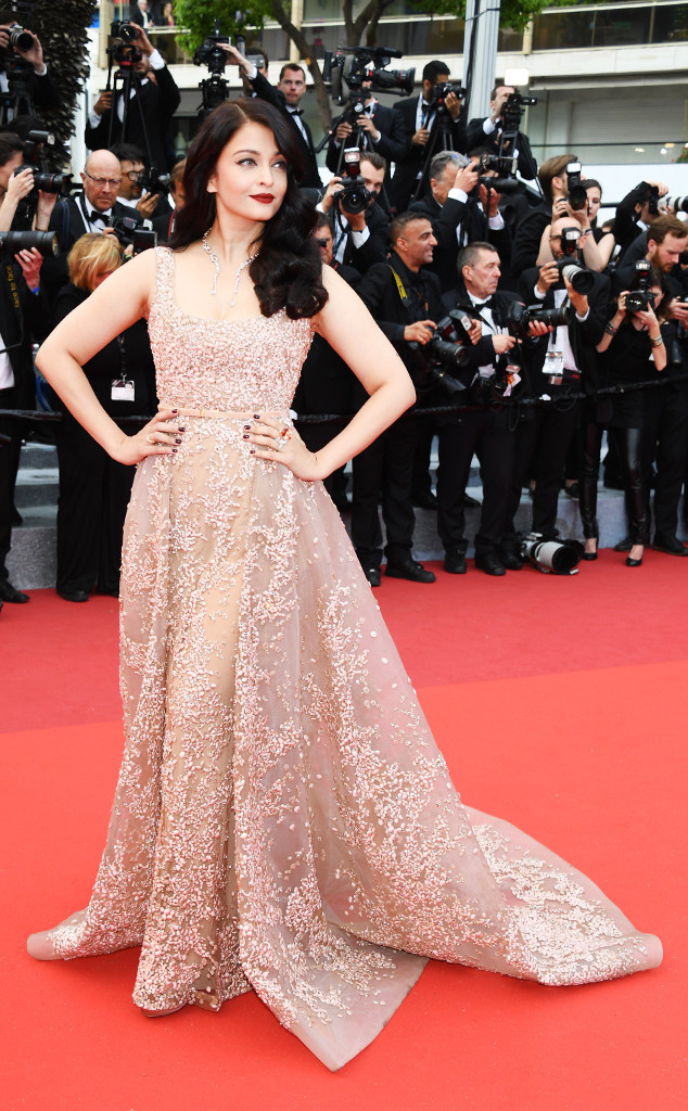 Festival-de-Elie-Saab-Aishwarya-Rai-Cannes-Fashion-Week-2016-Best-Dressed-Top-10