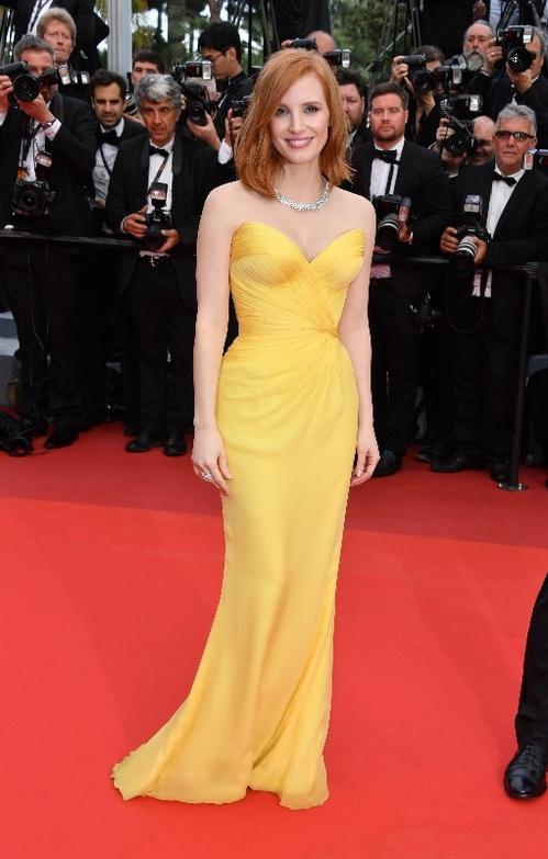 Jessica-Chastain-Armani-Privé-Piaget-Red-Carpet-Festival-de-Cannes-2016-Best-Dressed-Tapis-Rouge-Montée-des-Marches-Vogue