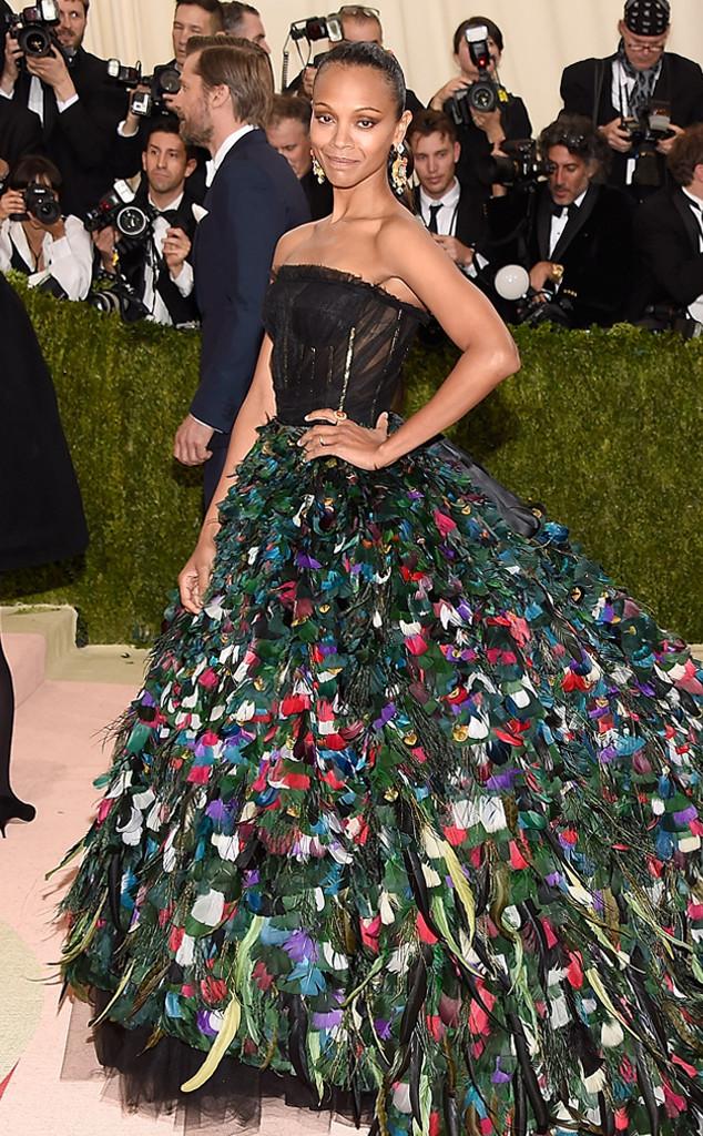 Met-Ball-MET-GALA-Arrivals-Zoe-Saldana-Dolce&Gabbana-Dolce-Gabbana-EOnline-E-Online-2016-red-carpet
