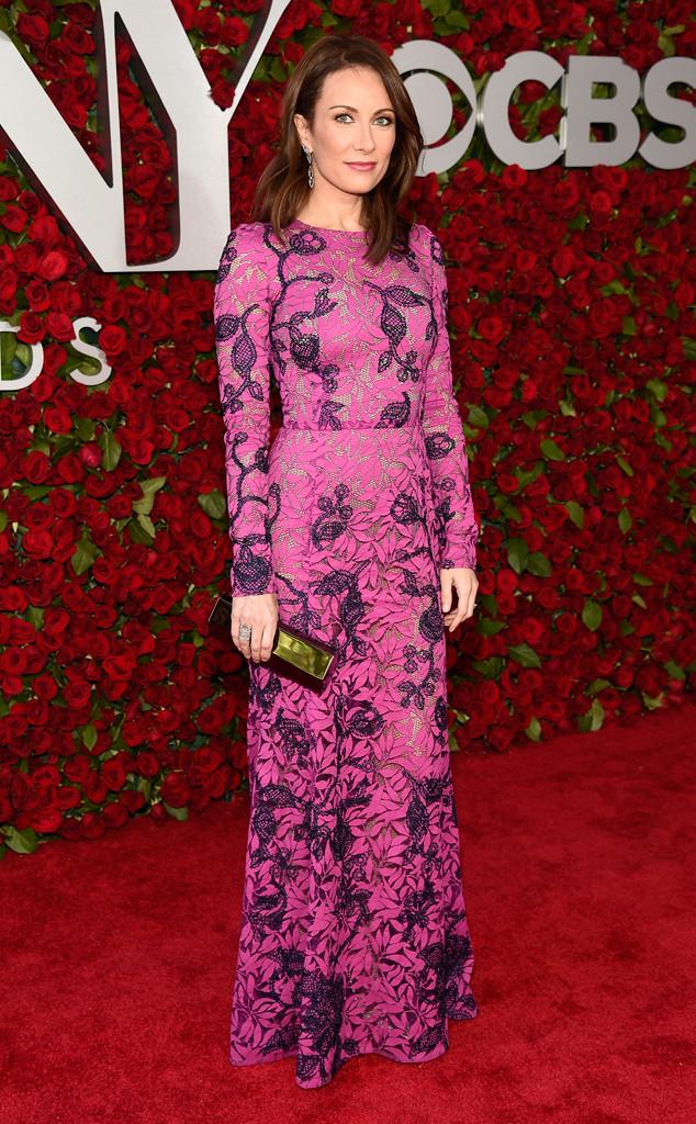 Tony-Awards-2016-Red-Carpet-Arrivals-E!Online-Top-10-Best-Dressed-Laura-Benanti-floral-print-oscar-de-la-renta-dress