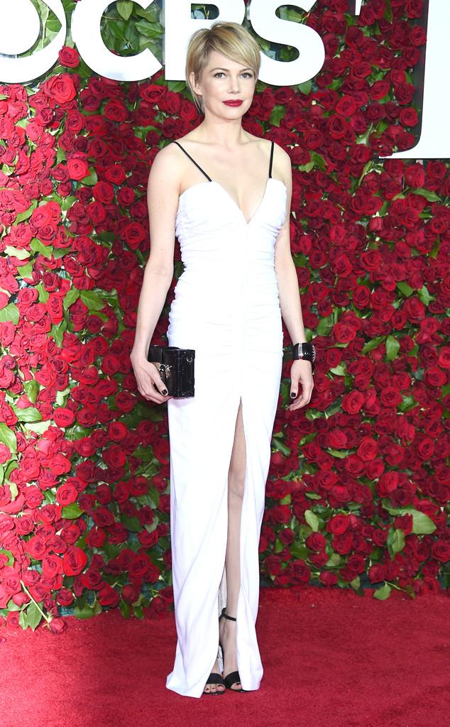 Tony-Awards-2016-Red-Carpet-Arrivals-E!Online-Top-10-Best-Dressed-Michelle-Williams-white-column-gown-sur-mesure-tailored-made-louis-vuitton-clutch-sandals