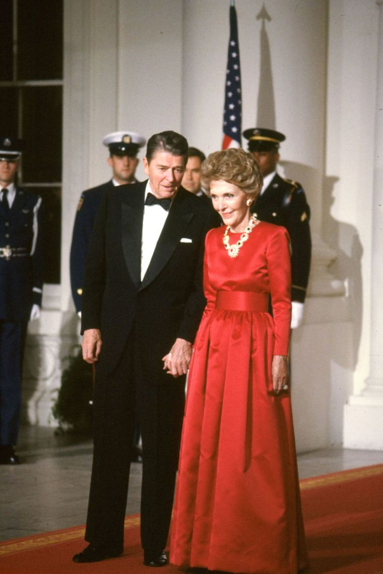 10-things-you-did-not-did'nt-know-about-oscar-de-la-renta-celebrity-celebrities-fan-red-carpet-nancy-reagan-first-lady