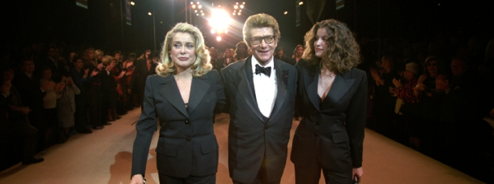 10-Things-You-Didn't-Did-not-know-about-YSL-Yves-Saint-Laurent-Catherine-Deneuve-Tuxedo-Smoking-Laëtitia-Casta-2002-Dernier-Last-Show-défilé-haute-couture