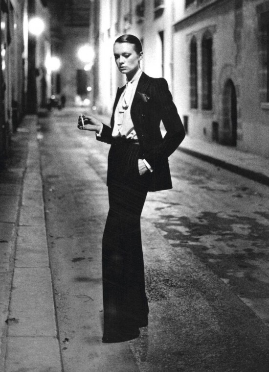 tuxedo-smoking-tailleur-10-Things-You-Didn't-Did-not-know-about-YSL-Yves-Saint-Laurent-helmut-newton
