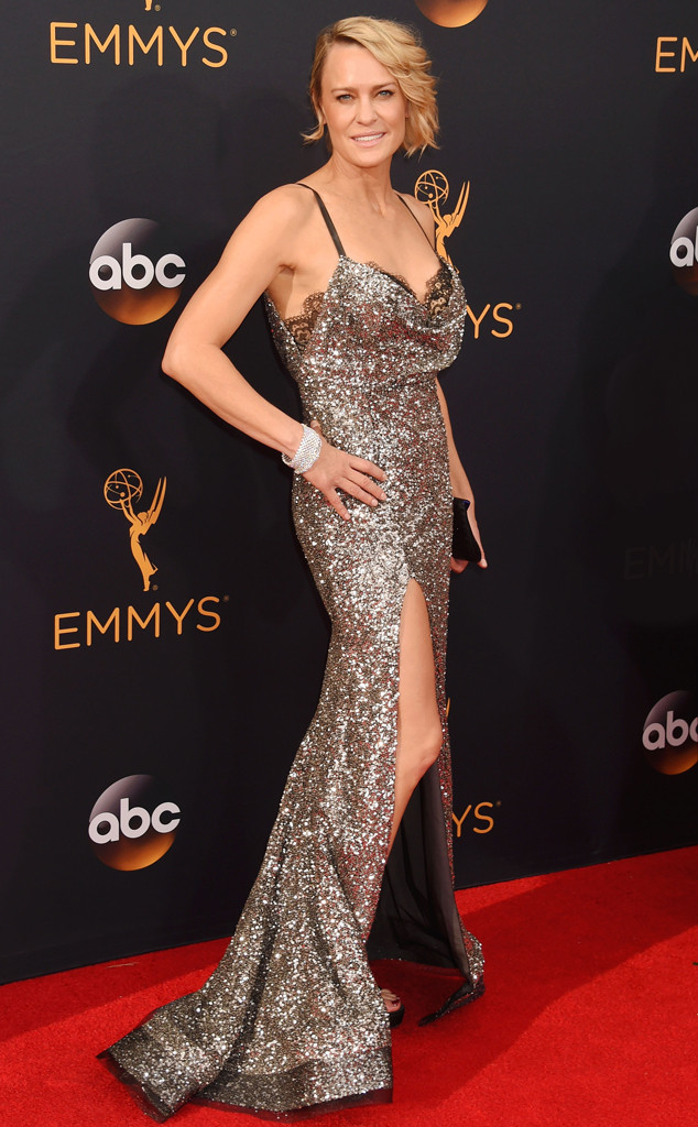 emmys-2016-red-carpet-arrivals-tapis-rouge-awards-my-top-10-20-robin-wright-reem-acra