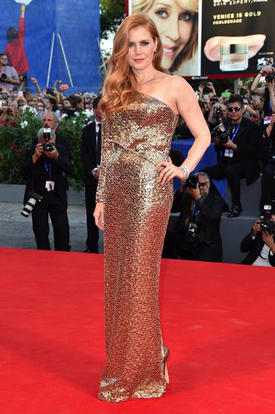 mostra-venise-festival-2016-cinema-elle-italy-look-red-carpet-jewels-bijoux-dress-amy-adams-tom-ford-best-dressed-my-top-20