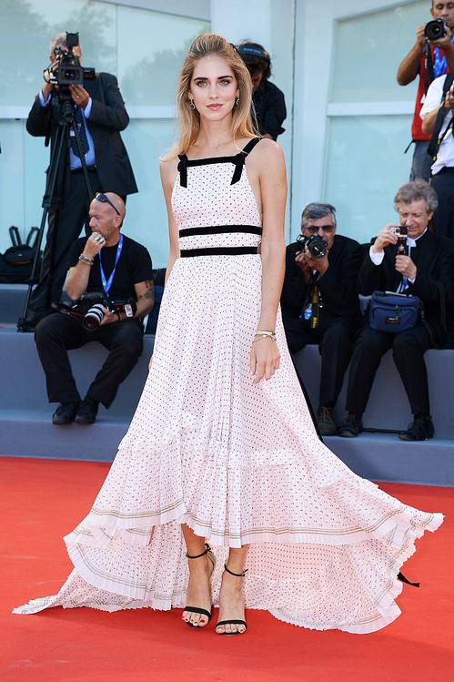 mostra-venise-festival-2016-cinema-vogue-look-red-carpet-jewels-bijoux-dress-chiara-ferragni-philosophy-di-lorenzo-serafini-best-dressed-my-top-20
