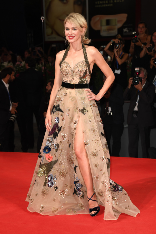 mostra-venise-festival-2016-cinema-vogue-look-red-carpet-jewels-bijoux-dress-naomi-watts-elie-saab-haute-couture-autumn-automne-hiver-winter-collection-2017-repossi-bijoux-best-dressed-my-top-20