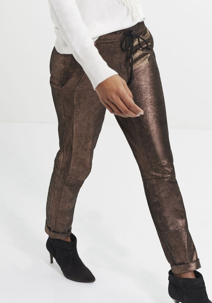 ikks-pantalon-cuir-de-chevre-belgian-fashionista-french-brand-silver-techno-times-trend-autumn-winter-automne-hiver-2016-2017-aw1617-tendance-tendances-trends-leather-pants