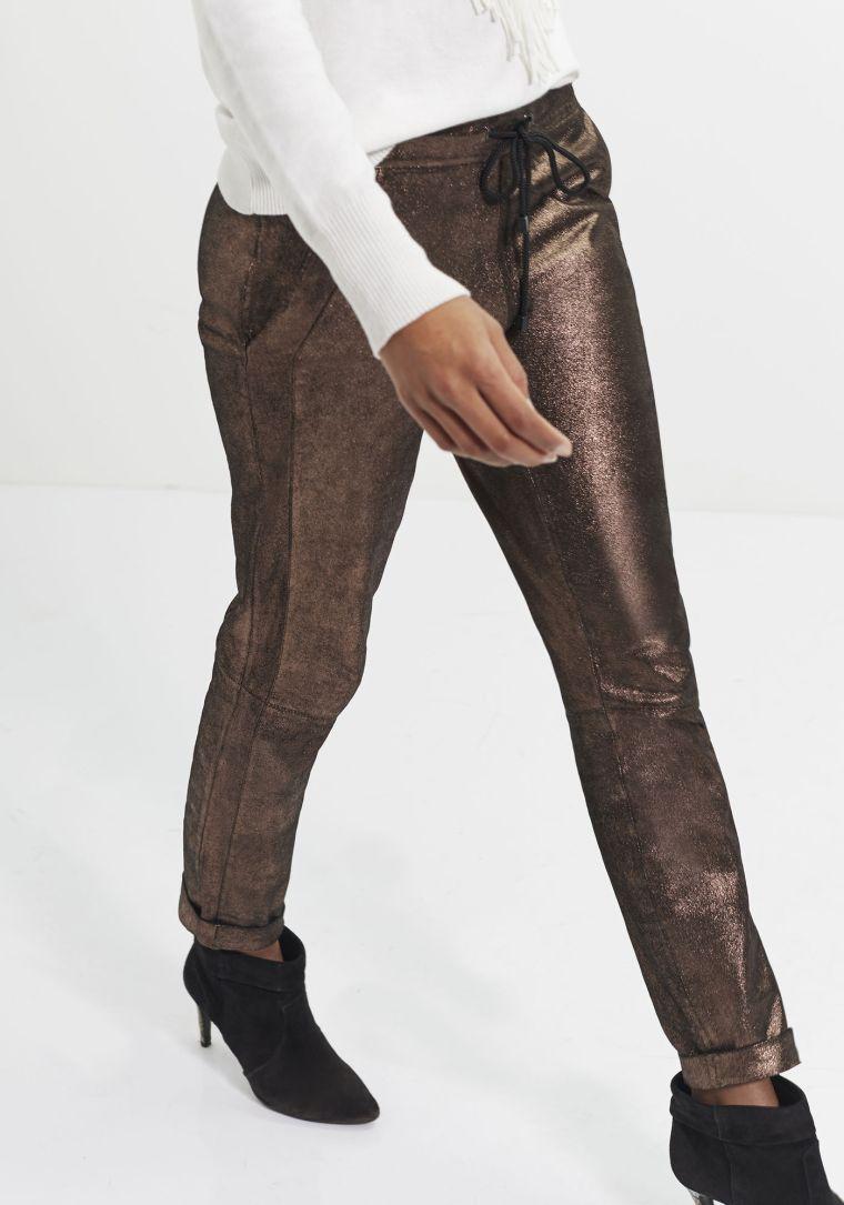 ikks-pantalon-cuir-de-chevre-belgian-fashionista-french-brand-silver-techno-times-trend-autumn-winter-automne-hiver-2016-2017-aw1617-tendance-tendances-trends-leather-pants
