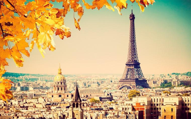 london-fashion-week-lfw-milan-paris-pfw-lfw-big-trends-eiffel-tower-tour
