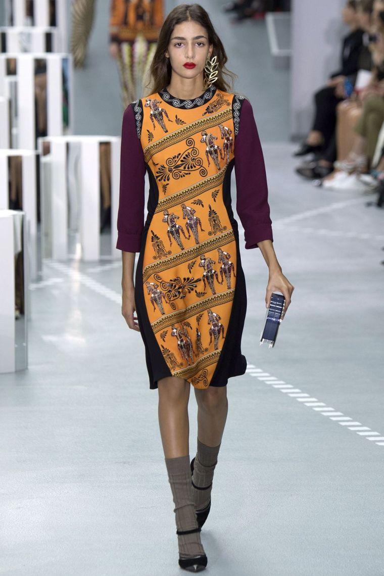 london-fashion-week-lfw-milan-paris-pfw-lfw-big-trends-vogue-uk-single-earring-statement-report