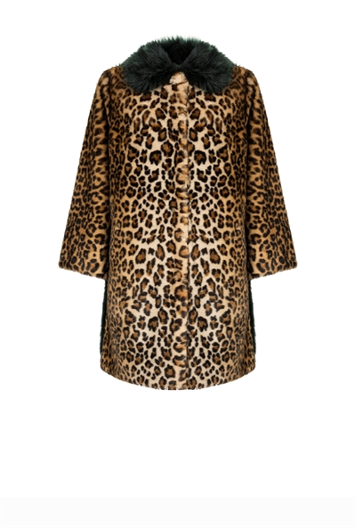 pinko-italian-brand-coat-guepard-belgian-fashionista-french-brand-into-the-wild-animal-print-trend-autumn-winter-automne-hiver-2016-2017-aw1617-tendance-tendances-trends
