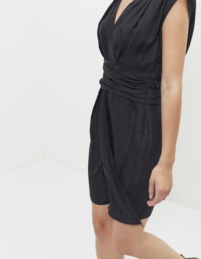 festive-season-outfit-black-black-little-dress-lbd-holidays-christmas-new-year-eve-belgian-brand-french-ikks