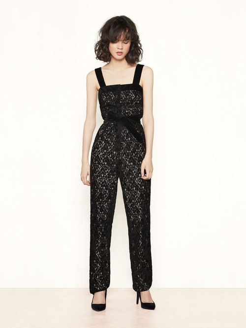 festive-season-outfit-black-power-lace-dentelle-power-jumpsuit-combinaison-holidays-christmas-new-year-eve-belgian-brand-maje