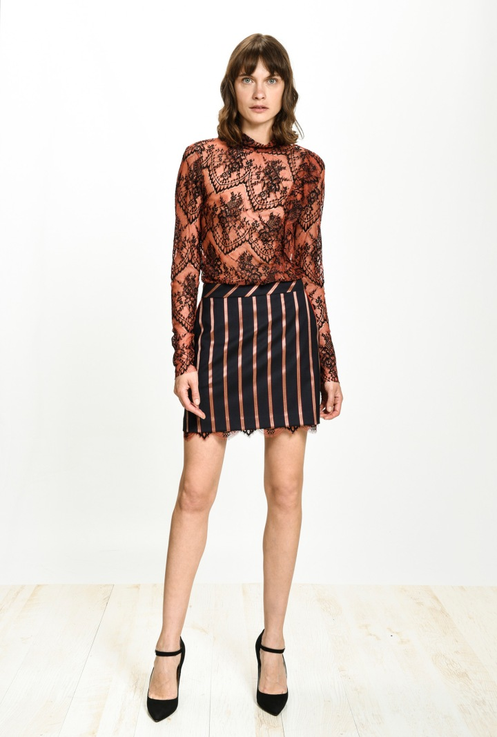 festive-season-outfit-black-mini-skirt-striped-rayures-regimental-paillettes-dress-holidays-christmas-new-year-eve-belgian-brand-italian-pinko