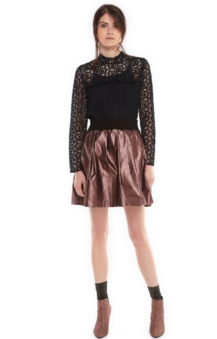 festive-season-outfit-voluminous-metallic-shine-mini-skirt-morio-holidays-christmas-new-year-eve-belgian-brand-essentiel-antwerp
