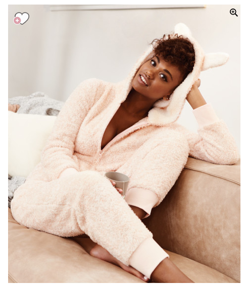 f51c60e44 holiday-gift-guide-2016-merry-christmas-eve-happy-new-year -beauty-cocooning-cocoon-cosy-lover-stay-at-home-hunkemoller-footie-pajamas- onesie