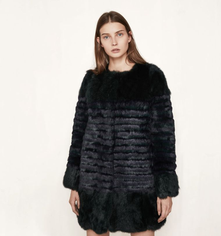 maje-brand-russian-baroque-trend-autumn-winter-trend-aw1617-belgian-fashionista-fashion-blog-blogueuse-belge-mode-short-black-faux-fur-striped-galim-coat