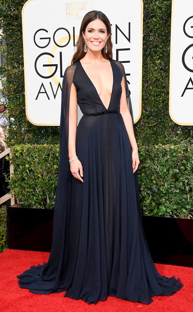 golden-globes-2017-best-looks-top-10-actresses-actrices-mandy-moore-naeem-khan