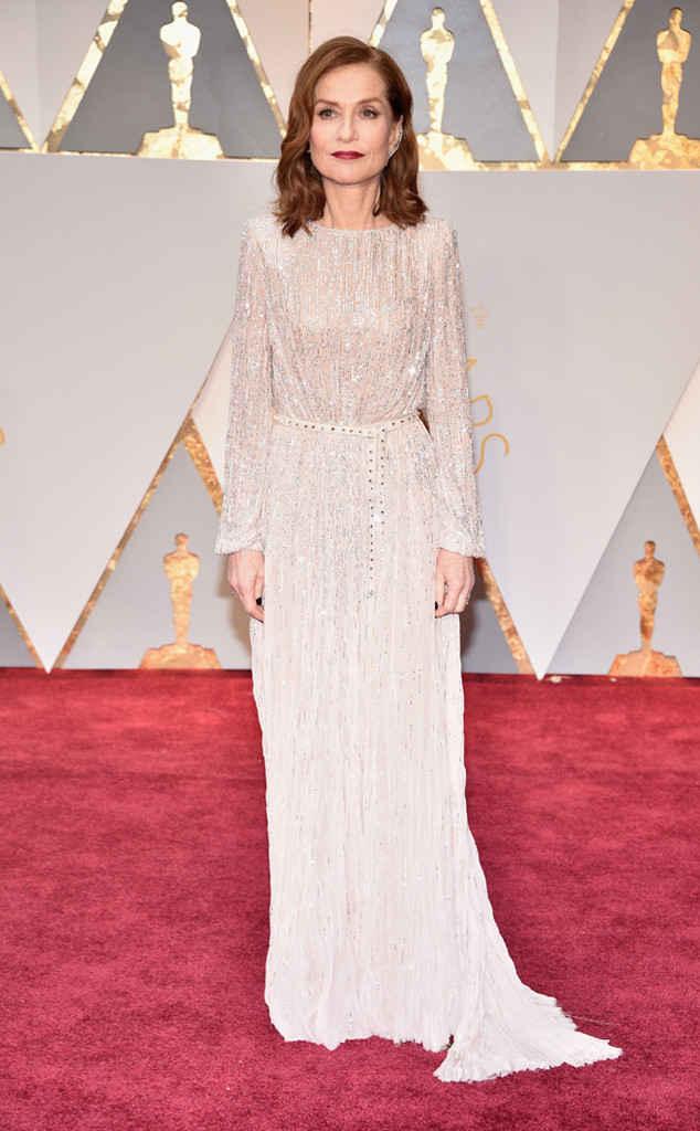 7-oscars-2017-red-carpet-arrivals-tapis-rouge-arrivée-academy-awards-best-dressed-top-10-fashion-isabelle-huppert-armani-privé.jpg