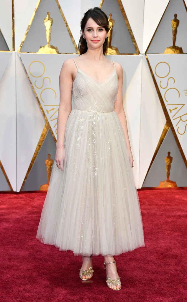 8-oscars-2017-red-carpet-arrivals-tapis-rouge-arrivée-academy-awards-best-dressed-top-10-fashion-felicity-jones-dior.jpg