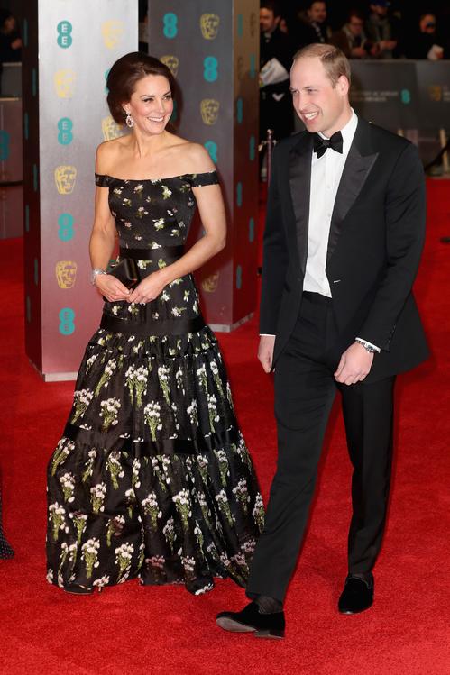 bafta-2017-uk-awards-cérémonie-season-movies-films-la-la-land-best-dressed-top-10-red-carpet-arrivals-arrivées-tapis-rouge-kate-middleton-prince-williams-cambridge-duke-alexander-mcqueen.jpg