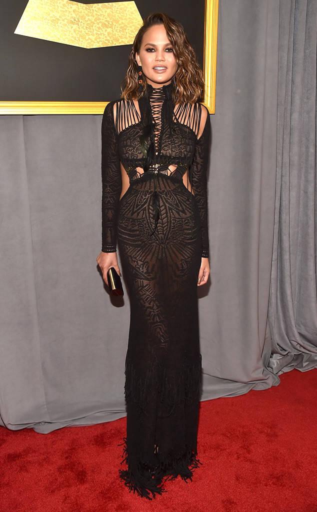 grammys-2017-best-dressed-music-red-carpet-tapis-rouge-cérémonie-awards-top-10-chrissy-teigen-roberto-cavalli.jpg