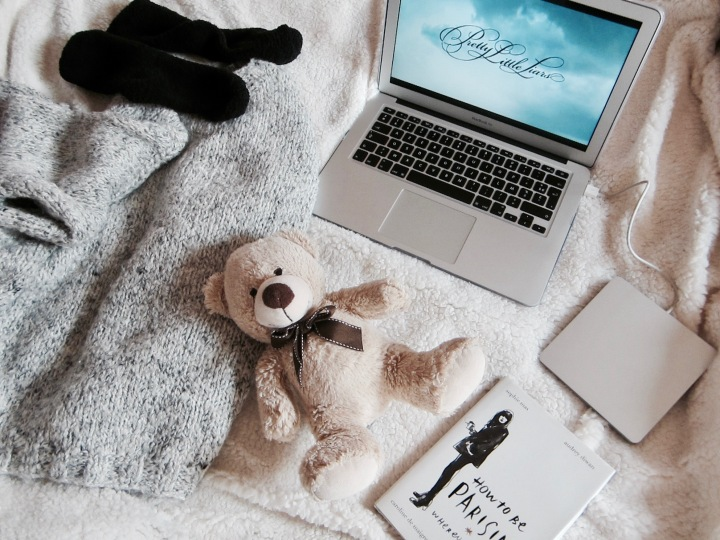 cocooning-cocoon-routine-pampering-rituals-indian-rose-pink-rose-pretty-little-liars-pll-tv-show-unwind-comfortable-comfy-outfit-relax-fashion-blog-blogger-belgian-fashionista-blogueuse-