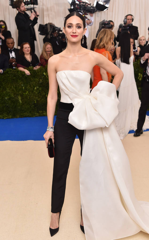 met-gala-2017-every-red-carpet-look-you-need-to-see-fashion-celebrities-celebrity-eonline-online-extravagance-high-arrivals-emmy-rossum-carolina-herrera-fred-leighton-jewellery-top-20-best-dressed.jpg