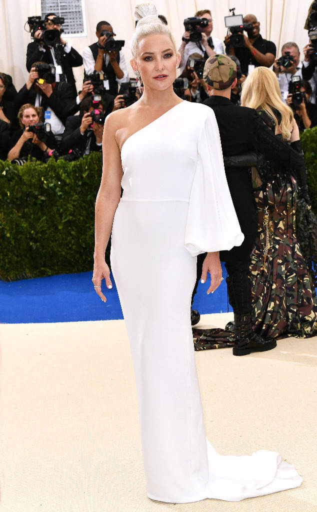 met-gala-2017-every-red-carpet-look-you-need-to-see-fashion-celebrities-celebrity-eonline-online-extravagance-high-arrivals-Kate-Hudson-stella-mccartney-top-20-best-dressed.jpg