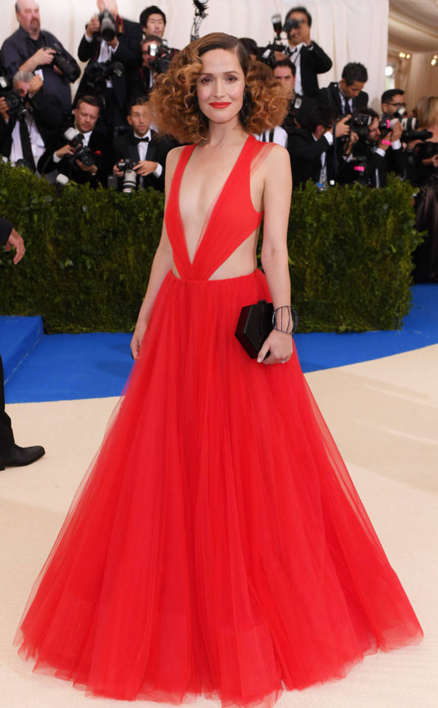 met-gala-2017-every-red-carpet-look-you-need-to-see-fashion-celebrities-celebrity-eonline-online-extravagance-high-arrivals-rose-bryne-ralph-lauren-dauphin-jewellery-edie-parker-bag-giuseppe-zanotti-shoes-top-20-best-dressed.jpg