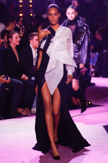 edf0f46a Couture Fashion Week Fall/Winter 2017-2018 – Jean Avenue