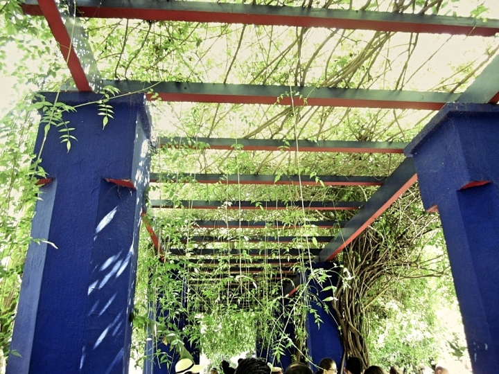 Marrakech-Photo-Diary-Journal-Belgian-Fashion-Travel-Blogger-Yves-Saint-Laurent-Maroc-Morocco-Jardin-Majorelle-Garden-blue-architecture.jpg