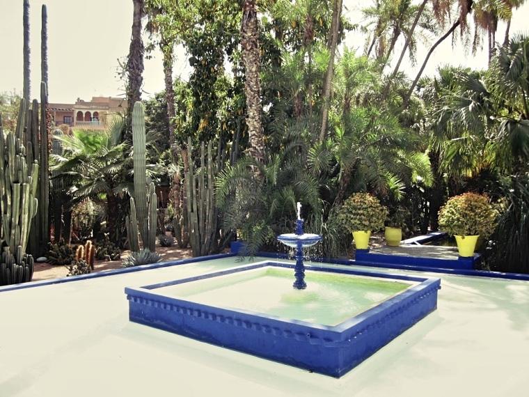 Marrakech-Photo-Diary-Journal-Belgian-Fashion-Travel-Blogger-Yves-Saint-Laurent-Maroc-Morocco-Jardin-Majorelle-Garden-Fountain.jpg