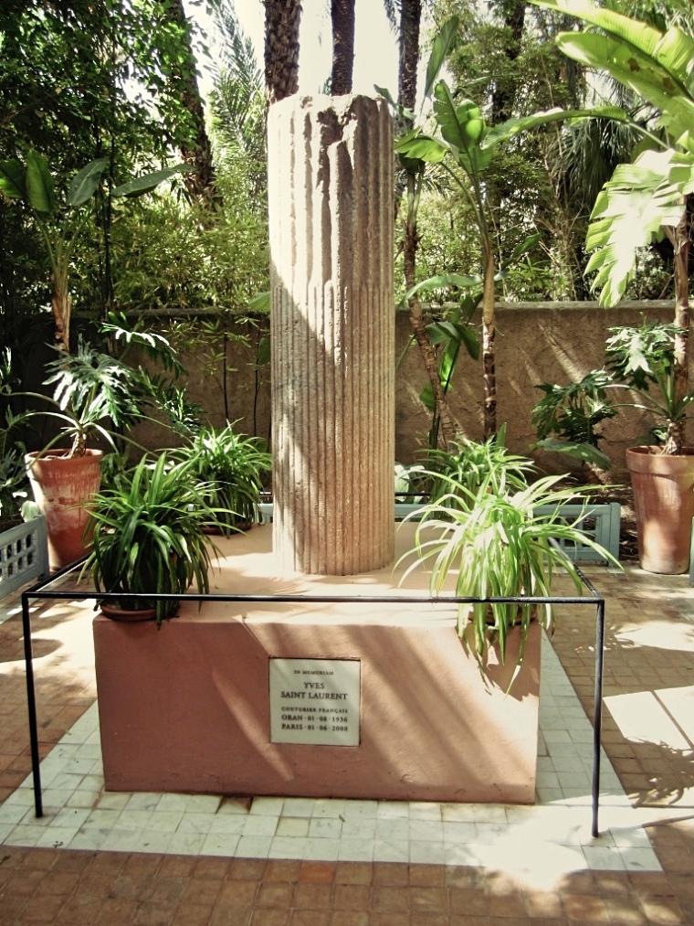 Marrakech-Photo-Diary-Journal-Belgian-Fashion-Travel-Blogger-Yves-Saint-Laurent-Maroc-Morocco-Jardin-Majorelle-Garden-memorial-memorium.jpg