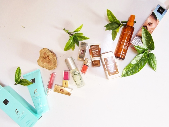 6 Summer Beauty Essentials – What To Pack For theHoliday?