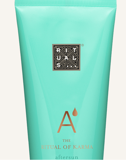 summer-beauty-essentials-products-holiday-kit-travel-fashion-belgian-blogger-lifestyle-rituals-after-sun-karma-after-sun-hydrating-lotion-organic-white-tea-ginkgo.png