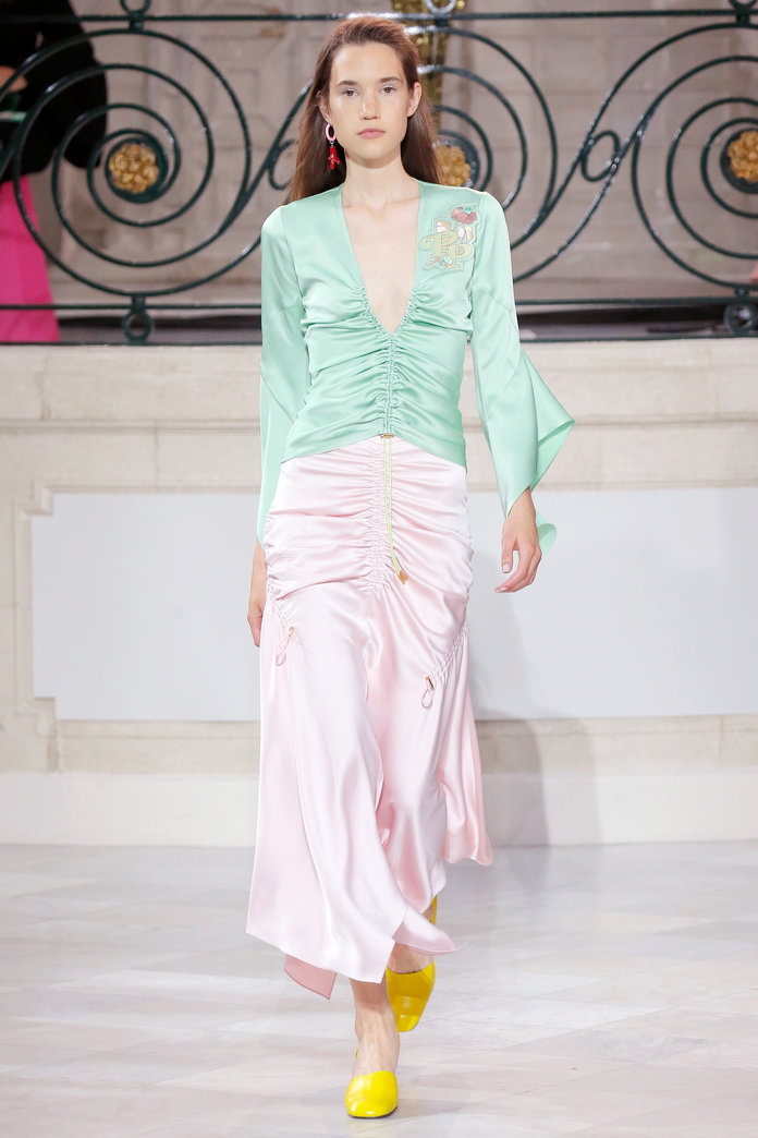 lfw-london-fashion-week-blogger-report-spring-summer-2018-ss18-fashionista-trends-names-infuencers-moments-models-pretty-pastel-instyle.jpg