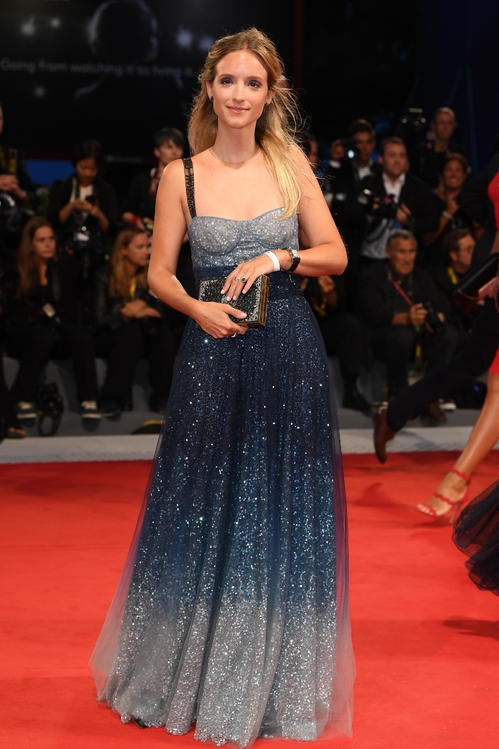 mostra-venise-venice-film-festival-red-carpet-arrivals-celebrity-style-gowns-gorgeous-dress-couture-haute-fashion-blogger-best-dressed-top-10-20-vogue-jewels-jewellery-ball-charlotte-gro
