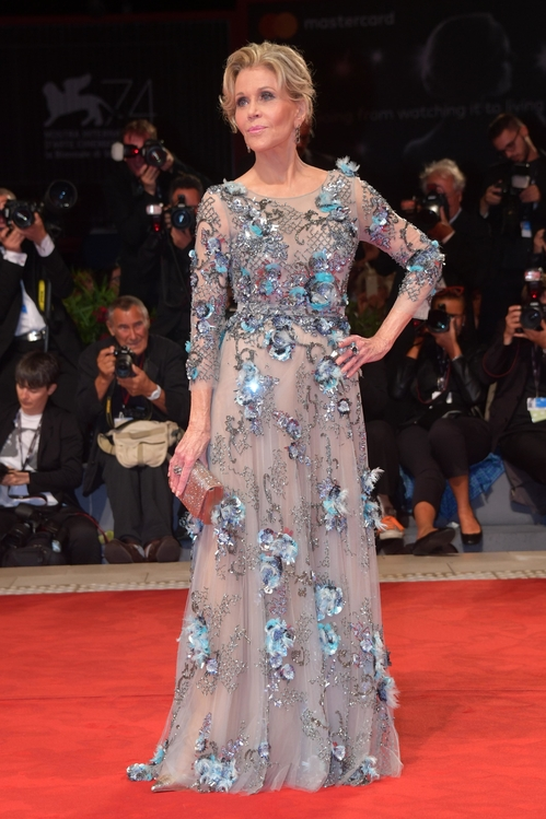 mostra-venise-venice-film-festival-red-carpet-arrivals-celebrity-style-gowns-gorgeous-dress-couture-haute-fashion-blogger-best-dressed-top-10-20-vogue-jewels-jewellery-ball-jane-fonda-po