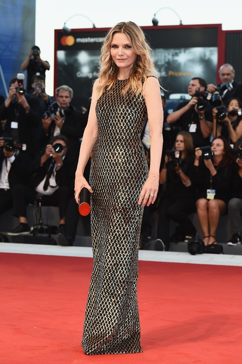 mostra-venise-venice-film-festival-red-carpet-arrivals-celebrity-style-gowns-gorgeous-dress-couture-haute-fashion-blogger-best-dressed-top-10-20-vogue-jewels-jewellery-ball-michelle-pfei